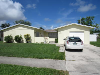 North Palm Beach Single Family Home Contingent: 940 Lighthouse Drive