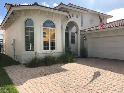 Lake Worth Single Family Home For Sale: 3 Lakeside Palms Court