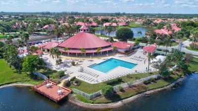 Delray Beach Single Family Home For Sale: 7556 Lexington Club Boulevard #A