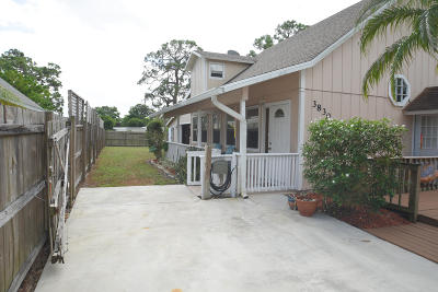 Stuart Single Family Home For Sale: 3830 SE Lee Street