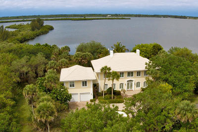 Vero Beach Single Family Home For Sale: 2665 Riverview Court