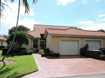 Boynton Beach Condo For Sale: 7682 Majestic Palm Drive Drive