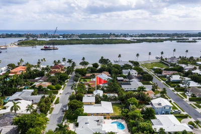 West Palm Beach Single Family Home For Sale: 134 Worth Court