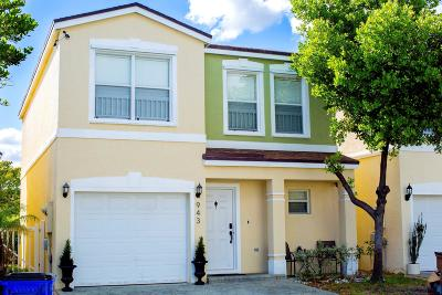 Deerfield Beach Single Family Home For Sale: 943 SW 15th Street