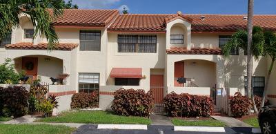 Deerfield Beach Condo For Sale: 3105 Congressional Way
