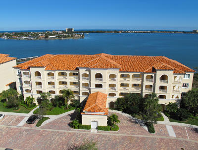 Fort Pierce Condo For Sale: 21 Harbour Isle Drive W #302