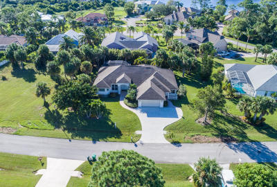 Port Saint Lucie Single Family Home For Sale: 1103 SE Westchester Drive