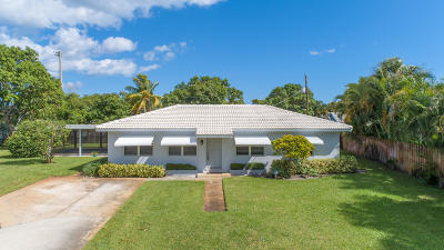 Delray Beach Single Family Home For Sale: 2209 E Pineridge Court