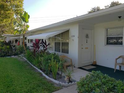 Lake Worth Single Family Home For Sale: 1026 S Oakridge Circle #1026