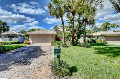 Boynton Beach Single Family Home For Sale: 32 Glens Drive E