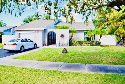 Deerfield Beach Single Family Home For Sale: 4107 NW 1 Place