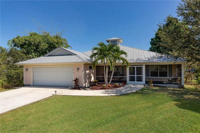 Jensen Beach Single Family Home For Sale: 1819 NE Victorian Lane