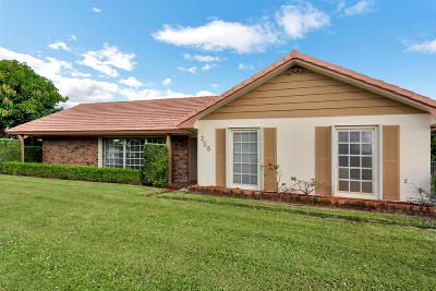 Atlantis Single Family Home For Sale: 256 Sudbury Drive