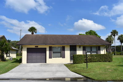 Greenacres Single Family Home For Sale: 6245 Red Cedar Circle