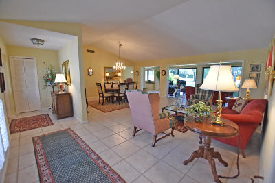 Boynton Beach Single Family Home For Sale: 10760 Tamarisk Trail