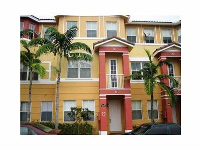 West Palm Beach Townhouse For Sale: 3207 Shoma Drive #298