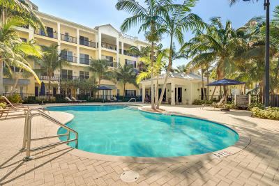 Delray Beach Condo Contingent: 226 Latitude Circle #306