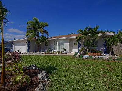 Jensen Beach Single Family Home For Sale: 1661 NE 22nd Street