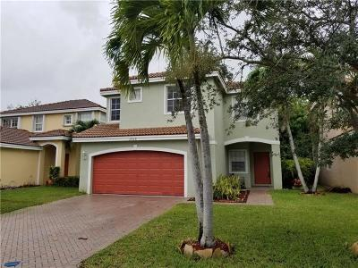 Coconut Creek Single Family Home For Sale: 3909 Crescent Creek Drive