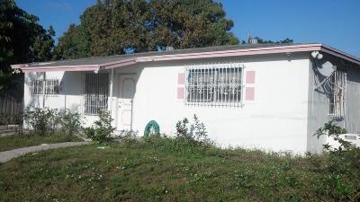 Boynton Beach Single Family Home For Sale: 1590 NW 1st Court #1