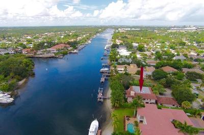 North Palm Beach Multi Family Home For Sale: 2100 Cove Lane