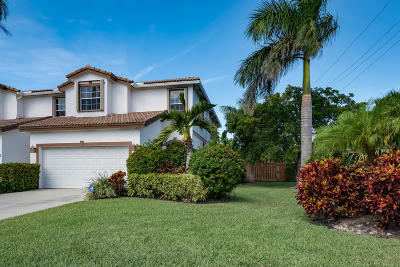 Delray Beach Townhouse For Sale: 895 Dogwood Drive