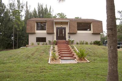 Loxahatchee Groves, Loxahatchee Groves I, Loxahatchee Grvs, Loxahatchee, Florida 33470- 3109 Single Family Home For Sale: 15211 Robert Way