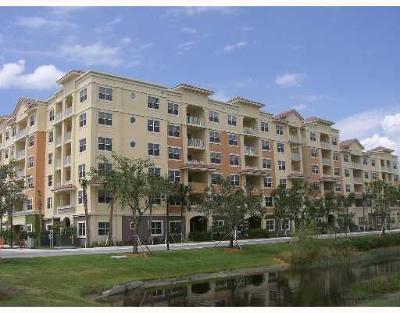 Boynton Beach Rental Contingent: 1625 Renaissance Commons Boulevard #406