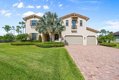 Jupiter Single Family Home For Sale: 8113 SE Red Root Way