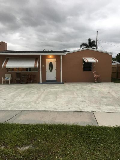 West Palm Beach Single Family Home For Sale: 741 Dogwood Road