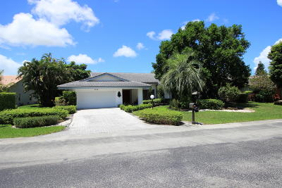 Delray Beach Single Family Home For Sale: 4989 Pineview Cir Circle