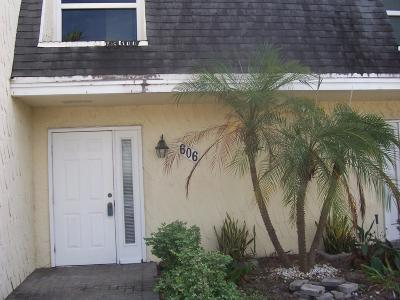 Boynton Beach FL Townhouse For Sale: $102,500