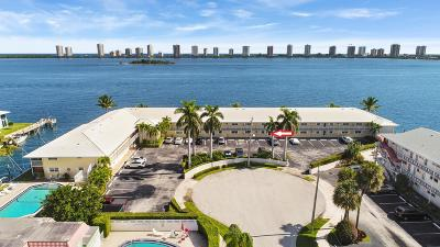 North Palm Beach Condo For Sale: 100 Lehane Terrace #5