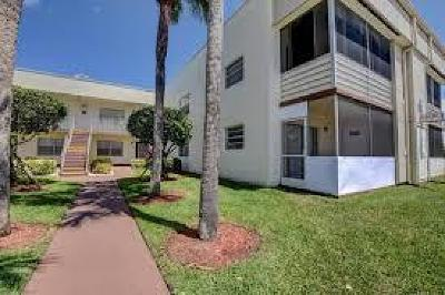 Delray Beach Condo For Sale: 618 Saxony M