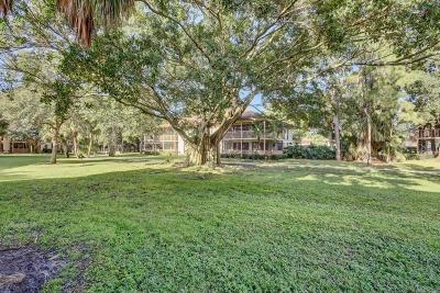 Palm Beach Gardens Condo For Sale: 157 Brackenwood Road