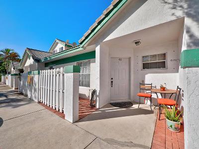 Deerfield Beach Townhouse For Sale: 330 SE 2nd Avenue #C5