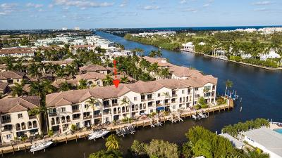 Boynton Beach Townhouse For Sale: 3061 Waterside Circle