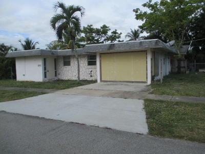 Greenacres FL Single Family Home For Sale: $129,900