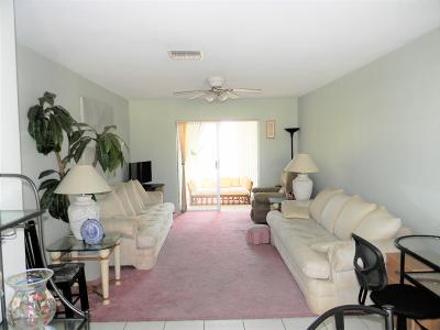 Boynton Beach Condo For Sale: 2132 NE 1st Way #205