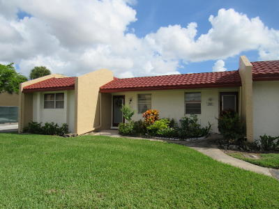 West Palm Beach Single Family Home For Sale: 300 Lake Carol Drive