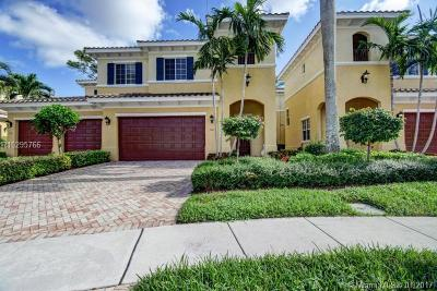 Palm Beach Gardens Townhouse For Sale: 358 Chambord Terrace #358
