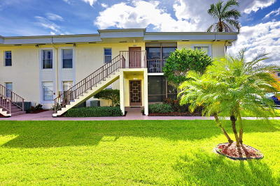 Delray Beach Condo For Sale: 14898 Wedgefield Drive #208