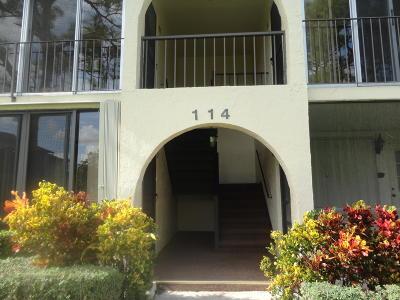 Greenacres Condo For Sale: 114 Lake Pine Circle #B-2