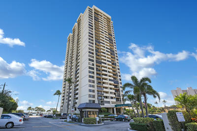 West Palm Beach Condo For Sale: 5600 Flagler Drive #209