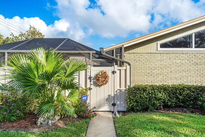 Palm Beach Gardens Townhouse For Sale: 5966 Golden Eagle Circle