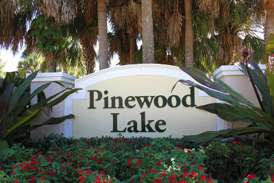 Greenacres Townhouse For Sale: 1073 Pinewood Lake Court