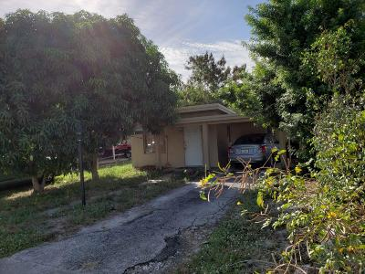 Lake Worth Single Family Home For Sale: 1090 S Ridge Road