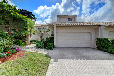 Boca Raton Townhouse For Sale: 6786 Woodbridge Drive