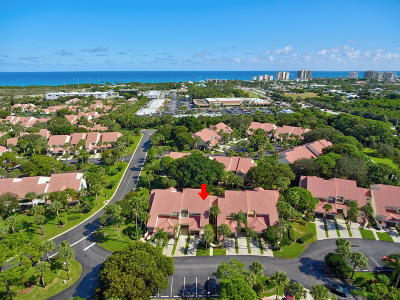 Juno Beach Condo For Sale: 205 Sea Oats Drive #B
