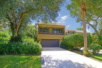 Boca Raton Townhouse For Sale: 706 Saint Albans Drive